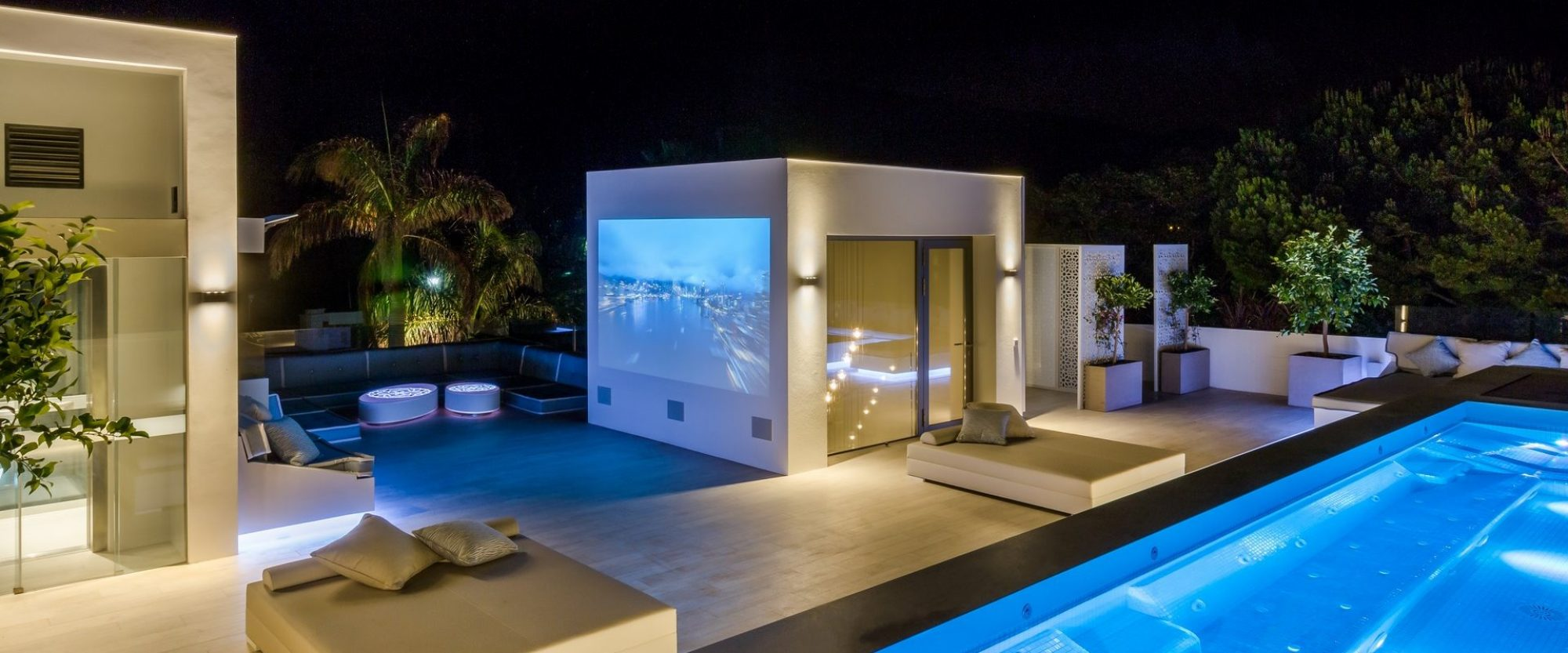227 m2 roof garden vip area with cinema and la concha mountain views