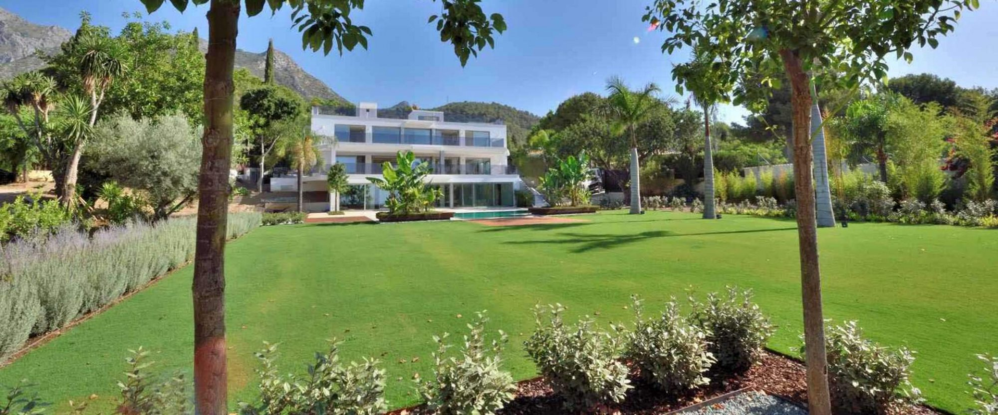 marbella contemporary villa for sale on large plot
