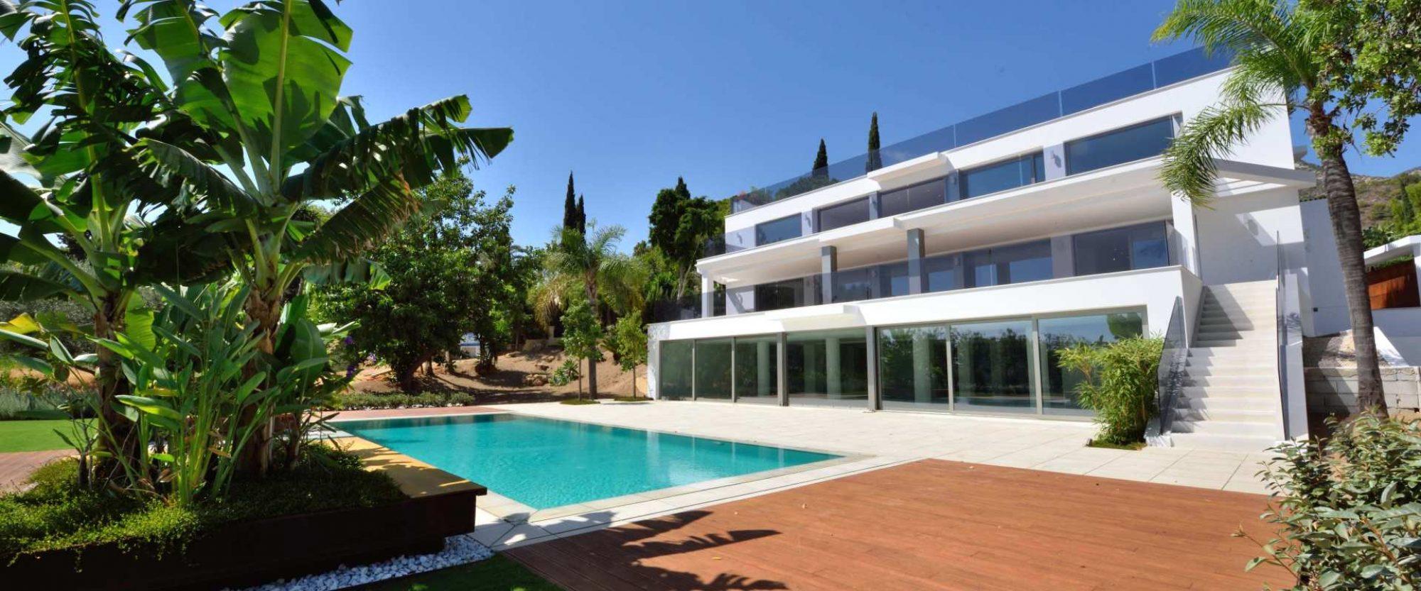 for sale new contemporary villa in cascada de camojan marbella